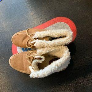 Gap winter boots